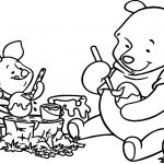 Winnie The Pooh Painting Easter Egg Coloring Page